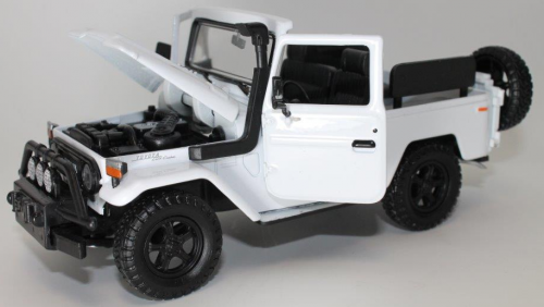 FJ40 TOY, 1/24 SCALE, BLUE